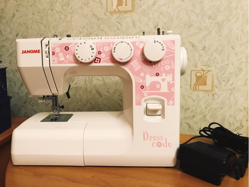Продам Швейную машину Janome Dresscode